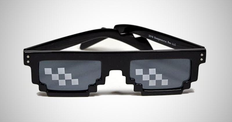 Pixelated Mosaic Glasses