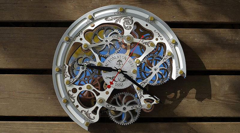 Automaton Bite Wall Clock