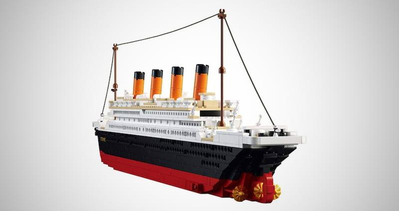Titanic Building Block Kit