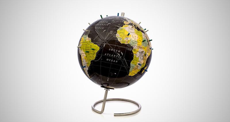 Bullseye Magnetic World Globe