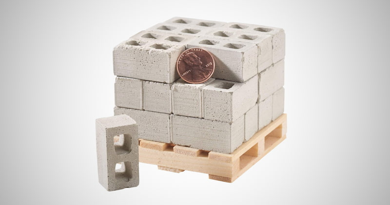 Miniature Cinder Blocks with Pallet