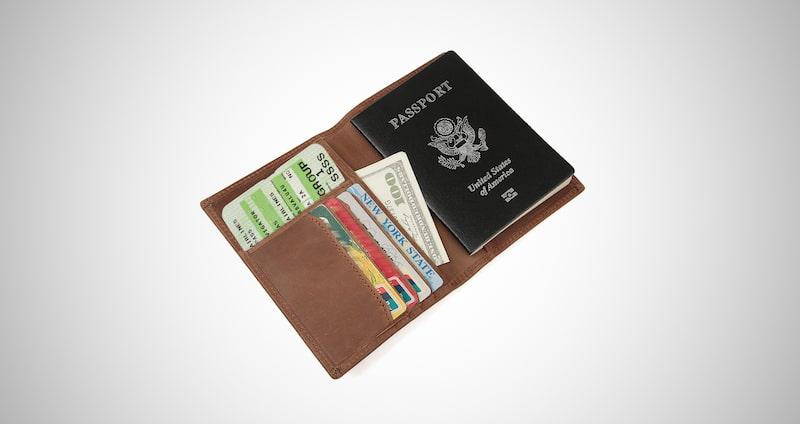 Polare Slim Passport Holder