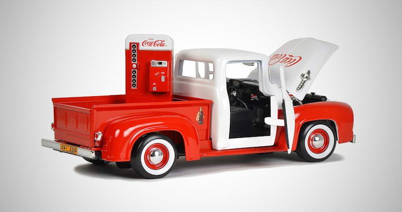 Retro Coca-Cola Pickup