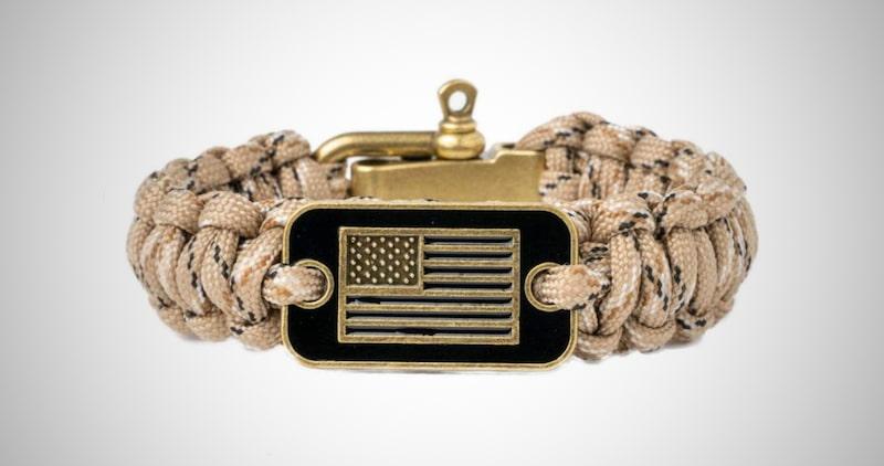 iHeartDogs Camo Paracord Bracelet